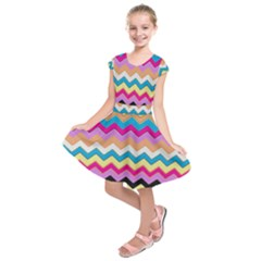 Chevrons Pattern Art Background Kids  Short Sleeve Dress