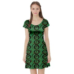 Abstract Pattern Graphic Lines Short Sleeve Skater Dress