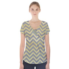 Abstract Vintage Lines Short Sleeve Front Detail Top