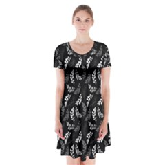 Pattern Short Sleeve V-neck Flare Dress