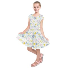 Vintage Spring Flower Pattern  Kids  Short Sleeve Dress