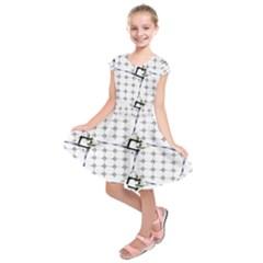 Fractal Design Pattern Kids  Short Sleeve Dress