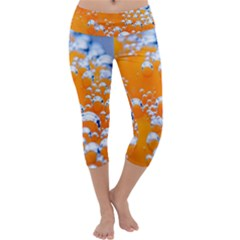 Bubbles Background Capri Yoga Leggings