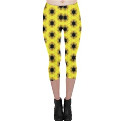 Yellow Fractal In Kaleidoscope Capri Leggings