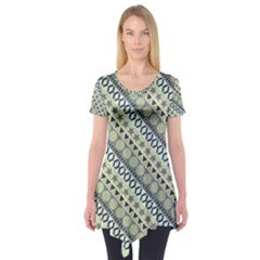 Abstract Seamless Pattern Short Sleeve Tunic