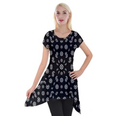 Dark Ditsy Floral Pattern Short Sleeve Side Drop Tunic