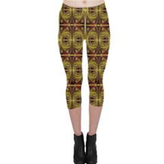 Seamless Symmetry Pattern Capri Leggings