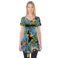 Fractal Background With Abstract Streak Shape Short Sleeve Tunic