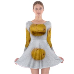 Hintergrund Salzkartoffel Long Sleeve Skater Dress