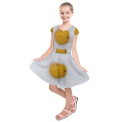 Hintergrund Salzkartoffel Kids  Short Sleeve Dress