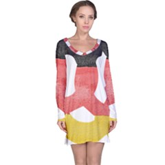 Pretzel in Hand-Painted Water Colors of German Flag Long Sleeve Nightdress