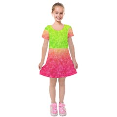 Colorful Abstract Triangles Pattern  Kids  Short Sleeve Velvet Dress