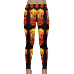 Paper Lanterns Pattern Background In Fiery Orange With A Black Background Classic Yoga Leggings