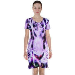 Fractal Wire White Tiger Short Sleeve Nightdress