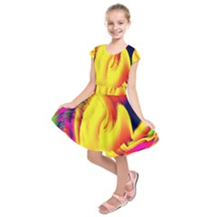 Stormy Yellow Wave Abstract Paintwork Kids  Short Sleeve Dress