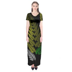 Drawing Of A Fractal Fern On Black Short Sleeve Maxi Dress