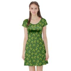 Green Clover Pattern For St Patricks Day Short Sleeve Skater Dress