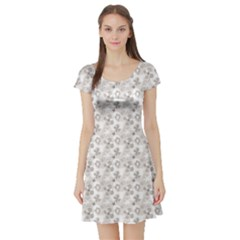 Gray Abstract Floral Pattern Short Sleeve Skater Dress