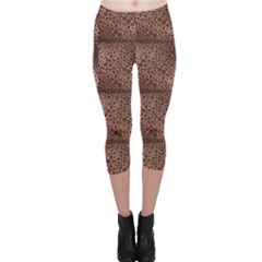 Brown Animal Skin Pattern Of Giraffe Print Capri Leggings