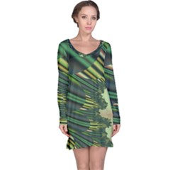 A Feathery Sort Of Green Image Shades Of Green And Cream Fractal Long Sleeve Nightdress