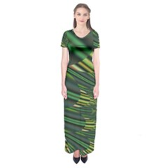 A Feathery Sort Of Green Image Shades Of Green And Cream Fractal Short Sleeve Maxi Dress