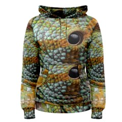 Macro Of The Eye Of A Chameleon Women s Pullover Hoodie