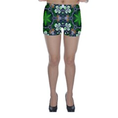 Green Flower In Kaleidoscope Skinny Shorts