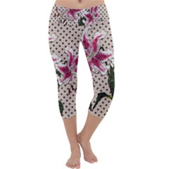Vintage flowers Capri Yoga Leggings