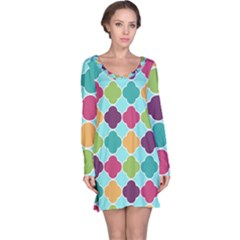 Colorful Quatrefoil Pattern Wallpaper Background Design Long Sleeve Nightdress