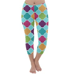 Colorful Quatrefoil Pattern Wallpaper Background Design Capri Winter Leggings