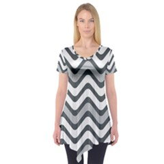 Shades Of Grey And White Wavy Lines Background Wallpaper Short Sleeve Tunic