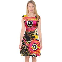 Abstract Clutter Pattern Baffled Field Capsleeve Midi Dress