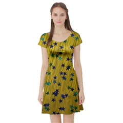 Abstract Gold Background With Blue Stars Short Sleeve Skater Dress
