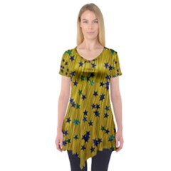 Abstract Gold Background With Blue Stars Short Sleeve Tunic