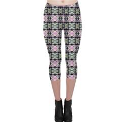 Colorful Pixelation Repeat Pattern Capri Leggings