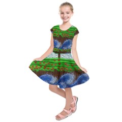 Beaded Landscape Textured Abstract Landscape With Sea Waves In The Foreground And Trees In The Background Kids  Short Sleeve Dress