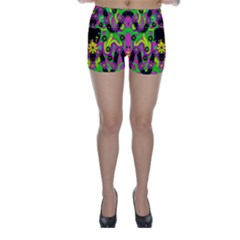 Jungle life and apples Skinny Shorts