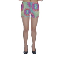 Abstract Geometric Wheels Pattern Skinny Shorts