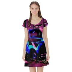 Abstract Artwork Of A Old Truck Short Sleeve Skater Dress