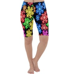 Colourful Snowflake Wallpaper Pattern Cropped Leggings
