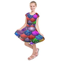 Fun Balls Pattern Colorful And Ornamental Balls Pattern Background Kids  Short Sleeve Dress