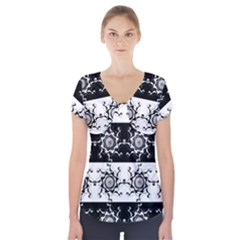 Three Wise Men Gotham Strong Hand Short Sleeve Front Detail Top
