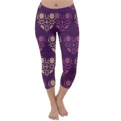 Purple Hearts Seamless Pattern Capri Winter Leggings