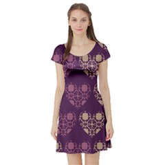 Purple Hearts Seamless Pattern Short Sleeve Skater Dress