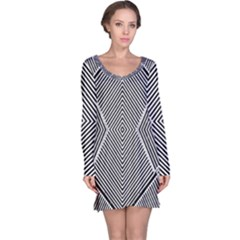 Black And White Line Abstract Long Sleeve Nightdress