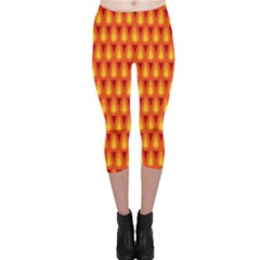 Simple Minimal Flame Background Capri Leggings