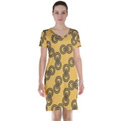Abstract Shapes Links Design Short Sleeve Nightdress