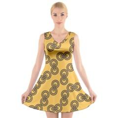 Abstract Shapes Links Design V Neck Sleeveless Skater Dress