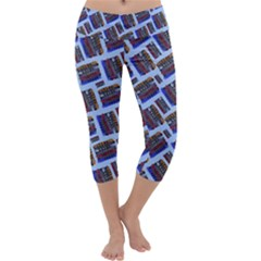 Abstract Pattern Seamless Artwork Capri Yoga Leggings