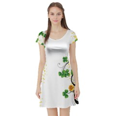 Flower Shamrock Green Gold Short Sleeve Skater Dress
